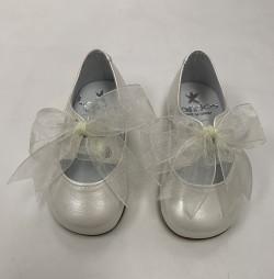 Zapato color Perla con Lazo...